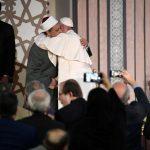 Papa em Al-Azhar: somos chamados a caminhar juntos