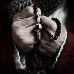 Santuários Marianos, por 24 horas, rezam Rosário pelos sacerdotes