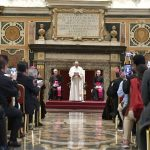 Papa Francisco: a Bíblia é a melhor vacina contra o fechamento da Igreja